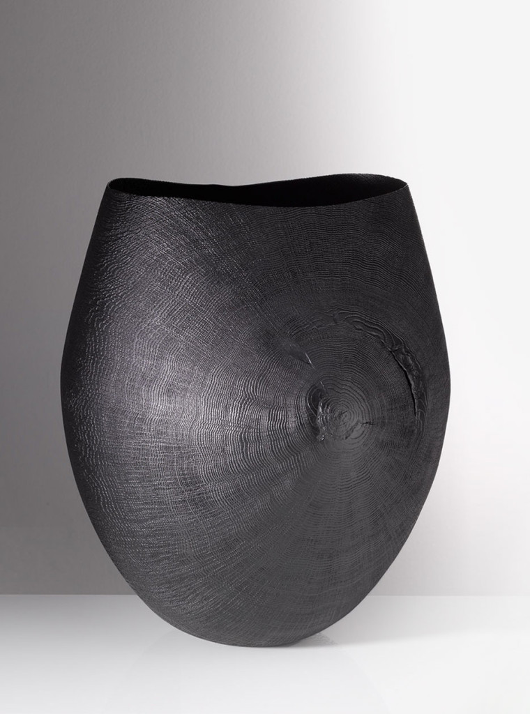 Vessel. Blackened oak wood, brushed and sandblasted, 34.5×33 cm