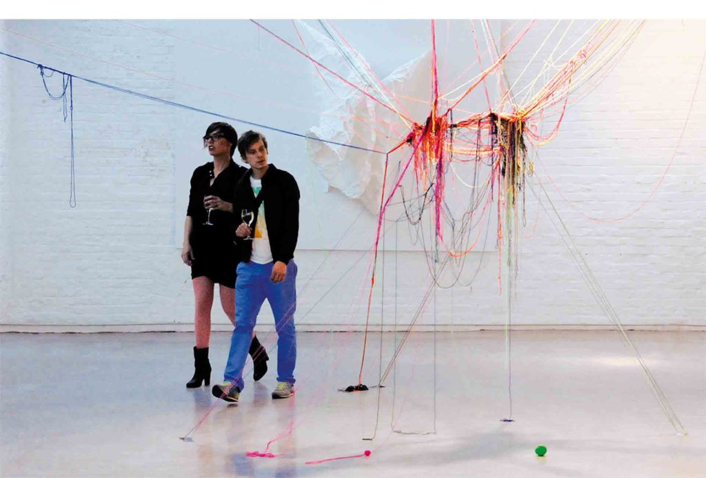 Installation <em>strange attractors</em> and <em>the edge of chaos_2</em>. Yarn, paper