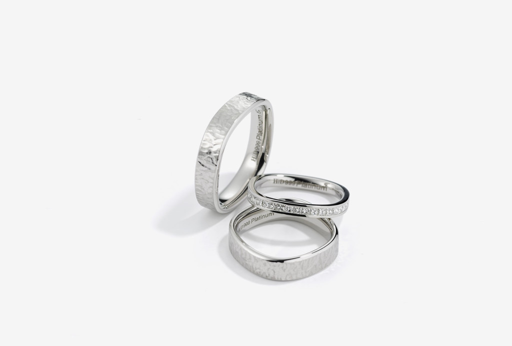<em>Purest</em> rings. 999 platinum, diamonds