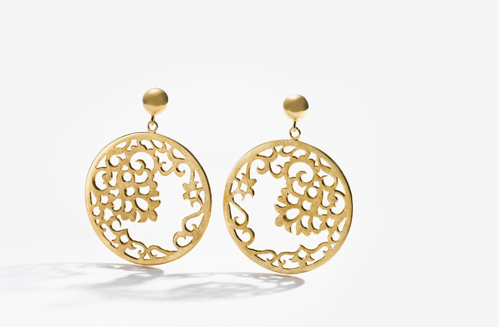 Hoop earrings <em>Flora</em>. 925 silver plated with fine gold