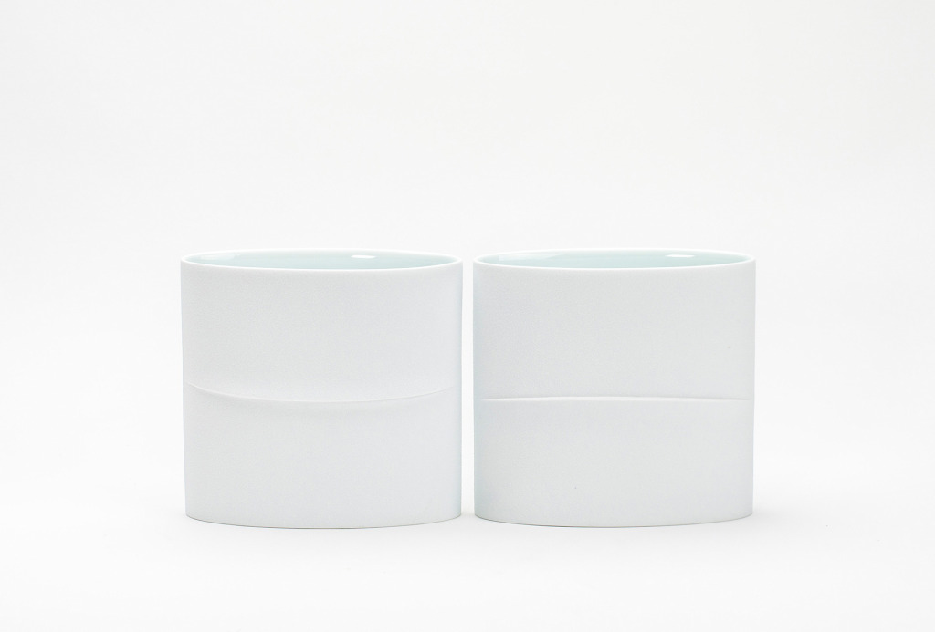 Vessels <em>Line for Ellipse</em>, 2014. White porcelain, slip casting, 19 × 8 × 18 cm each.