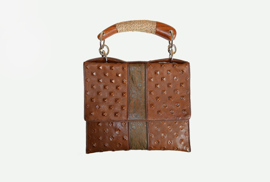 <em>Alina</em> bag. Leather, silk. 860 €